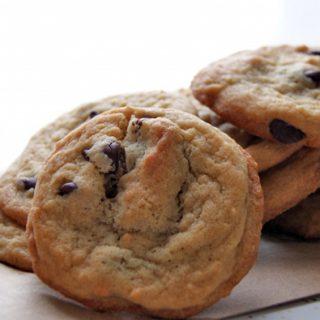 Peanut Butter Chocolate Chip Cookies | heatherlikesfood.com