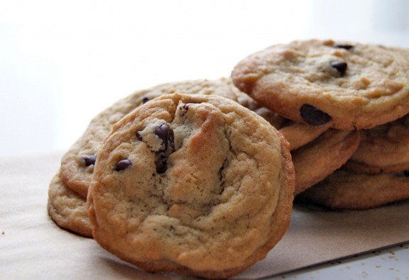 Peanut Butter Chocolate Chip Cookies | heatherlikesfood.com