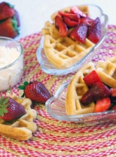 Strawberry Shortcake Waffles | heatherlikesfood.com