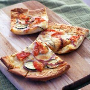 Parmesan Vegetable Pizza   heatherlikesfood.com