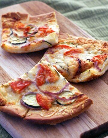 Parmesan Vegetable Pizza | heatherlikesfood.com