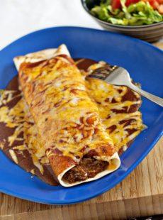 Chile Colorado Burritos | heatherlikesfood.com