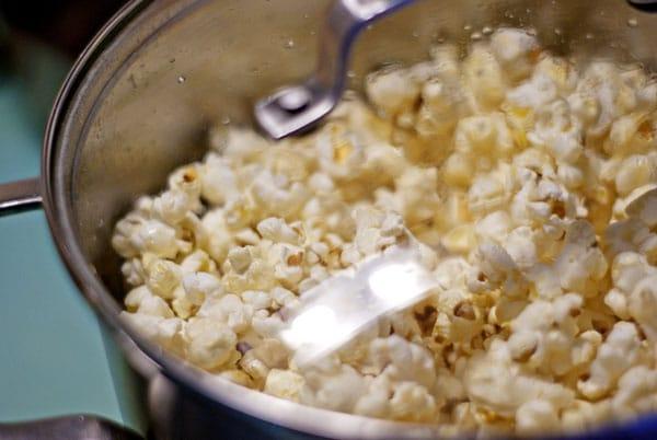 Stove Top Kettle Corn | heatherlikesfood.com