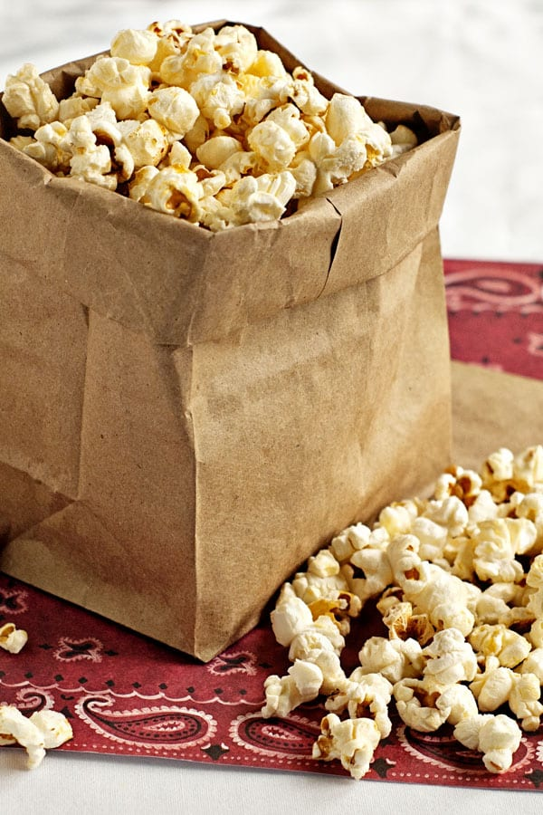 Stove Top Kettle Corn | heatherlikesfood.com
