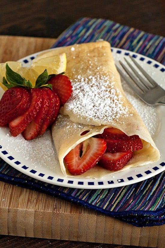Strawberry Lemonade Crepes | heatherlikesfood.com