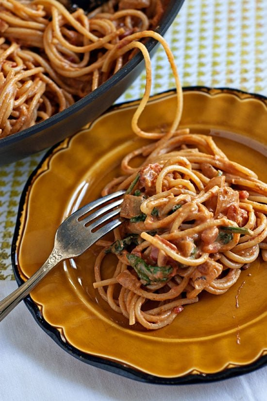 Creamy Spinach and Tomato Spaghetti