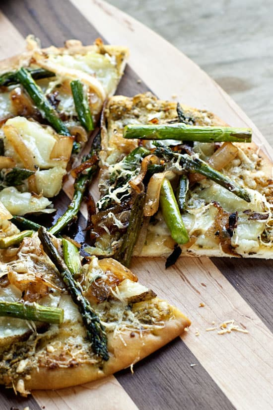 Potato Asparagus and Caramelized Onion Flatbread | heatherlikesfood.com