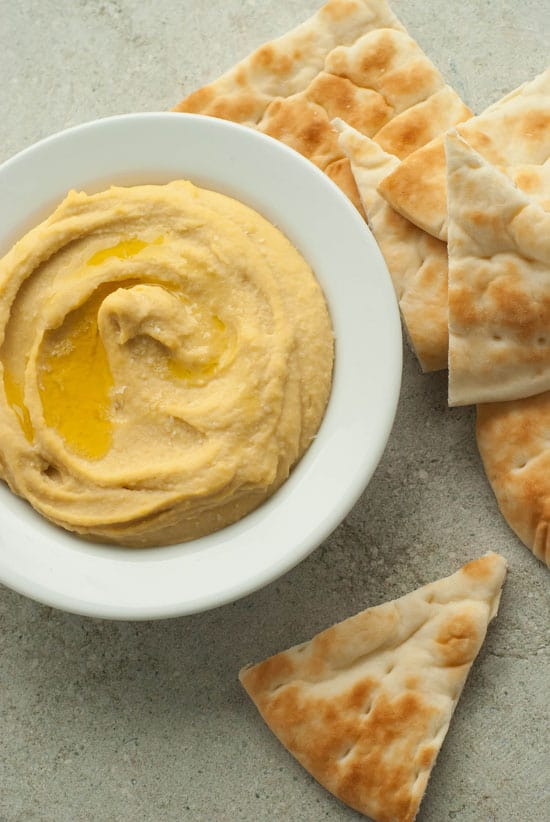 Super Simple and Creamy Hummus