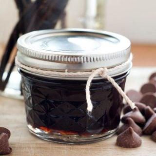How to Make Homemade Vanilla Extract   heatherlikesfood.com