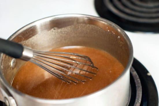 Caramel Apple Pie | heatherlikesfood.com