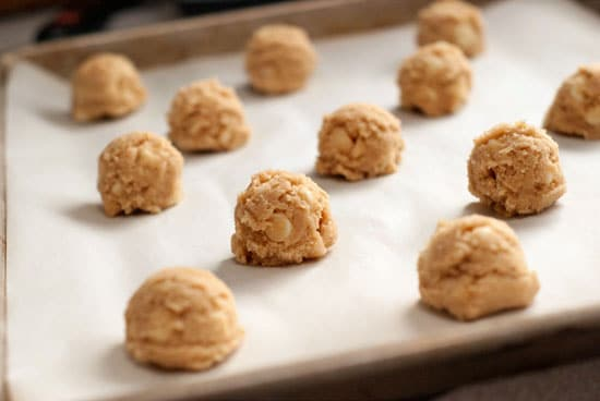 White Chocolate Macadamia Nut Cookies | heatherlikesfood.com