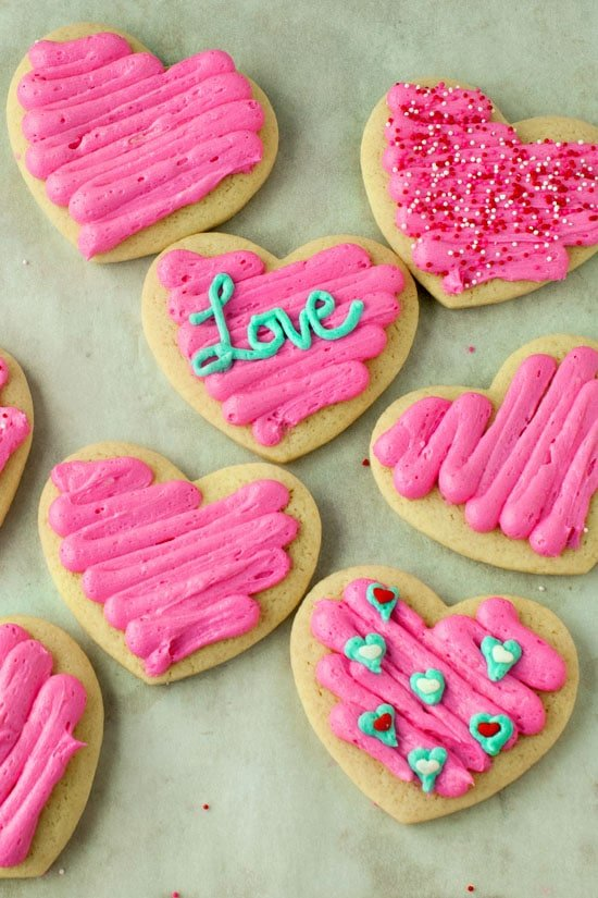 Super Soft Sour Cream Sugar Cookies | heatherlikesfood,com