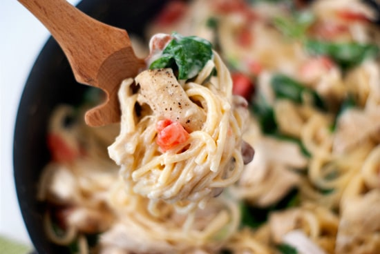 One Pan Chicken Florentine Spaghetti | heatherlikesfood.com