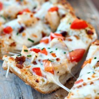 Chicken and Bacon Garlic Bread Pizza | heatherlikesfood.com