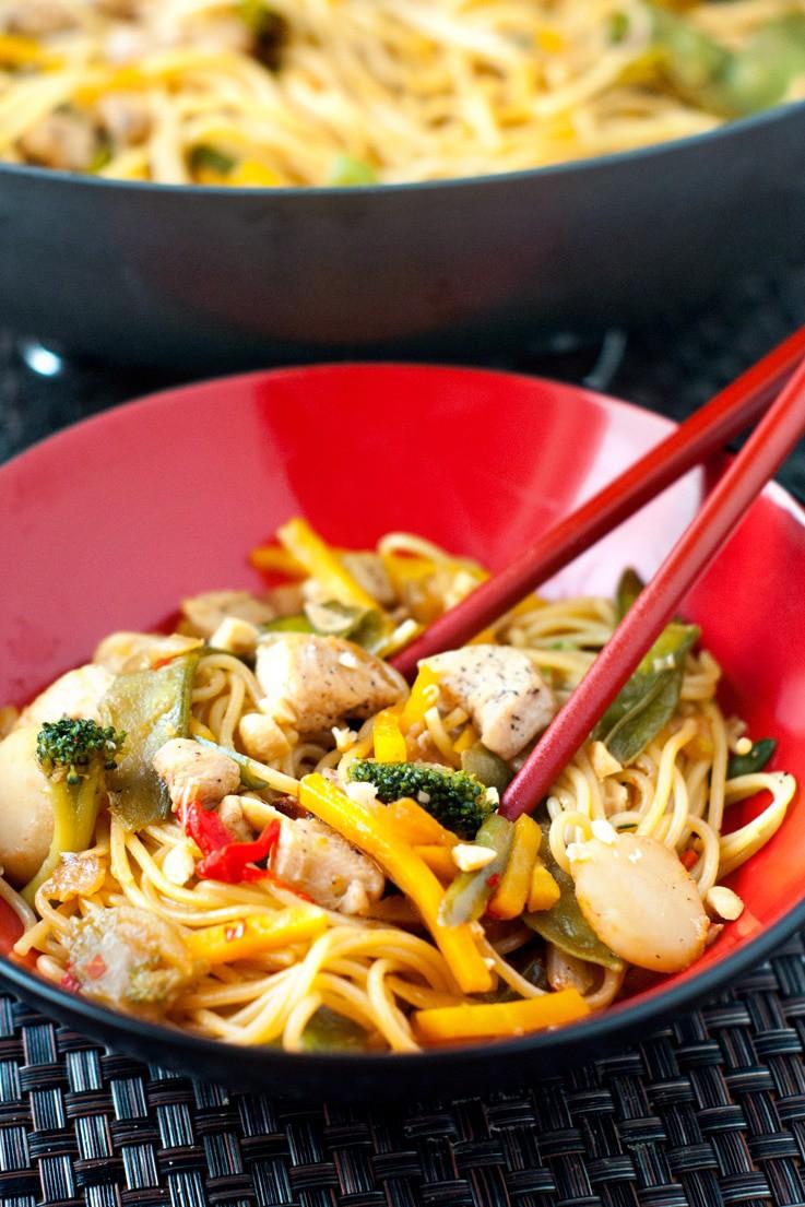 Sweet Chili Chicken Lo-Mein | heatherlikesfood.com