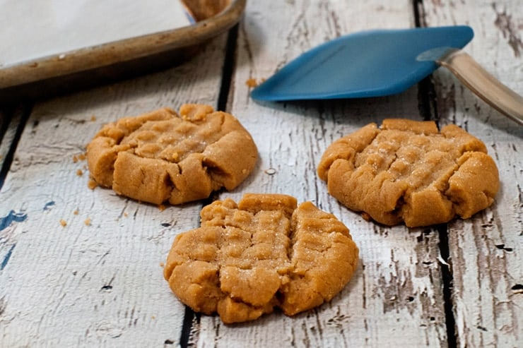 The BEST Peanut Butter Cookies | heatherlikesfood.com