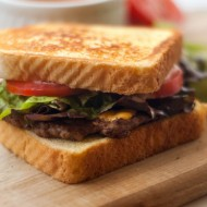 Texas Toast Griddle Burgers | heatherlikesfood.com