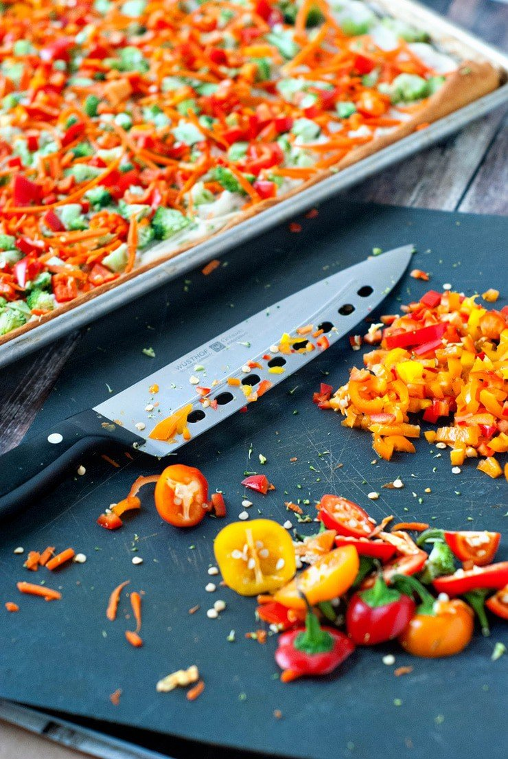 Garden Vegetable Appetizer Pizza   heatherlikesfood.com