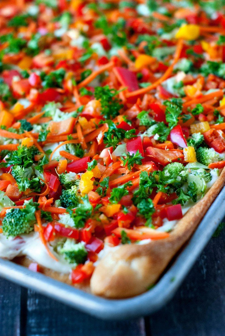 Garden Vegetable Appetizer Pizza | heatherlikesfood.com