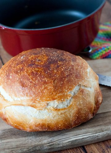 Overnight No Knead Bread | heatherlikesfood.com