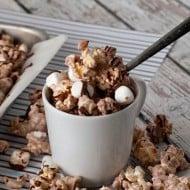 5 Recipes for Holiday Movie-Themed Popcorn