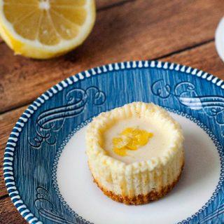Lemon Vanilla Bean Mini Cheesecakes | heatherlikesfood.com
