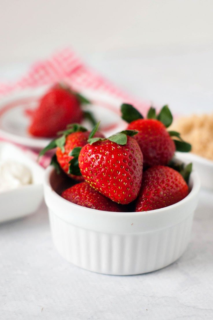 Deliciously Dipped Strawberries | heatherlikesfood.com