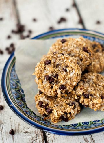 Super Healthy Oatmeal Chocolate Chip Cookies | heatherlikesfood.com