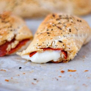Easy Pizza Sticks | heatherlikesfood.com