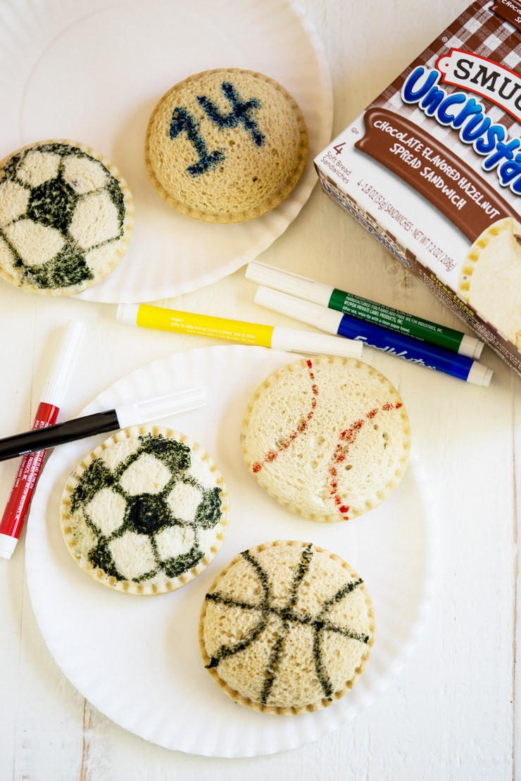 Team Snack Idea! This works for just about all sports and all you need are some edible ink markers, baggies and Smucker's Uncrustables. The kids love getting these and the Uncrustables make a filling after-game snack! #ad