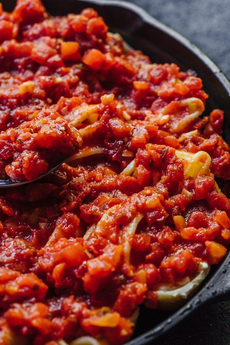 Lumaconi covered with basic tomato sauce