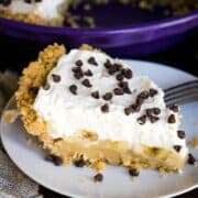 Banoffee Pie Topped with mini chocolate chips